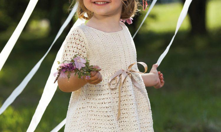 Krémszínű kislány ruha Catania Fine fonalból -PDF