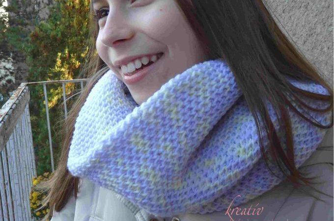 darázsmintás pulóver