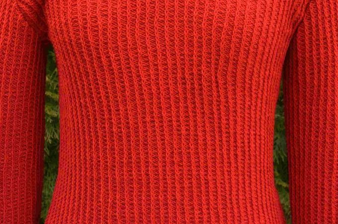 kötött gyapjú pulóver