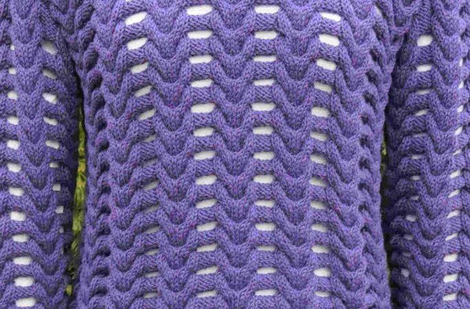 kötött csavart mintás pulóver