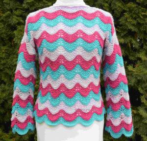 hullámmintás pulóver