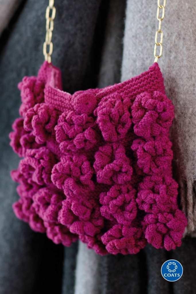 Pink táska kötött rózsákkal - leírás 439 PDF